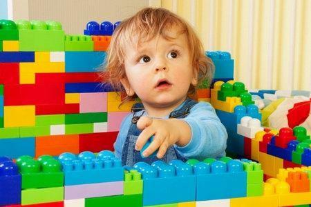 выбрать игрушку для ребенка